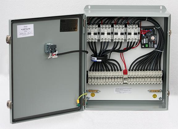 Contactor panel with GFEP breakers