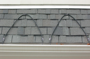 Heat Roof Edges With Self Regulating Heat Cable.